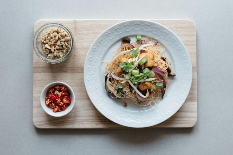 Thai and Techno - vegan sukiyaki noodles 2